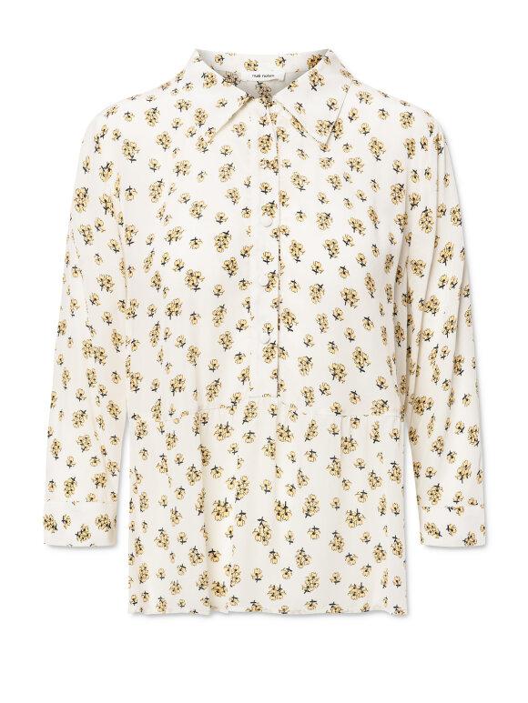 Nué Notes - Carl shirt - cloud cream