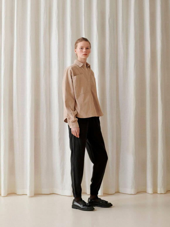 Skall Studio - Karen shirt, Warm Grey