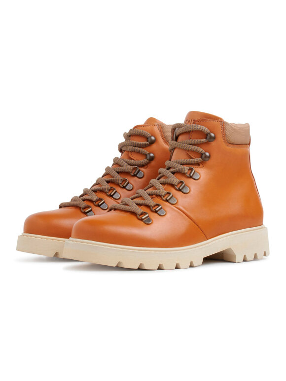Garment Project - City Hiker, Caramel Leather