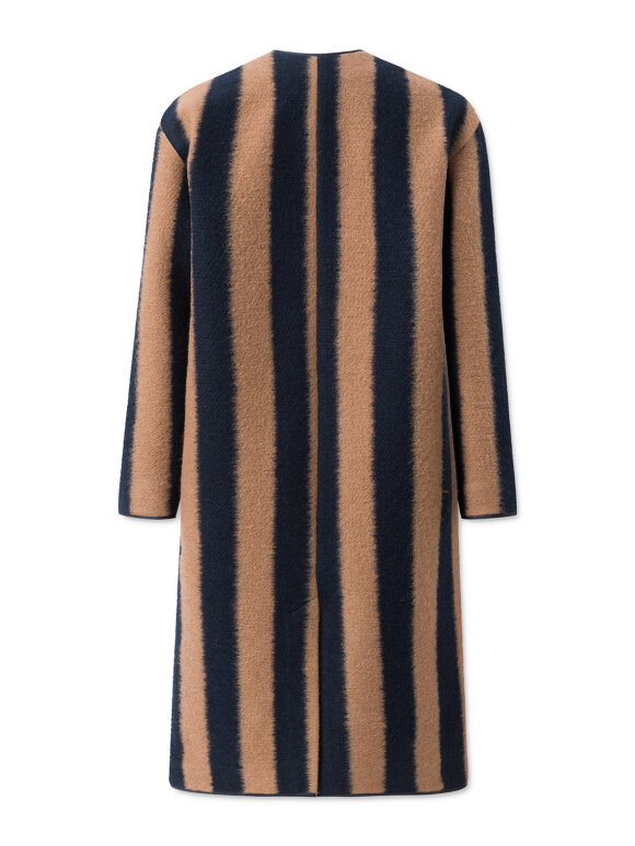 Nué Notes - Roberta Coat stripes