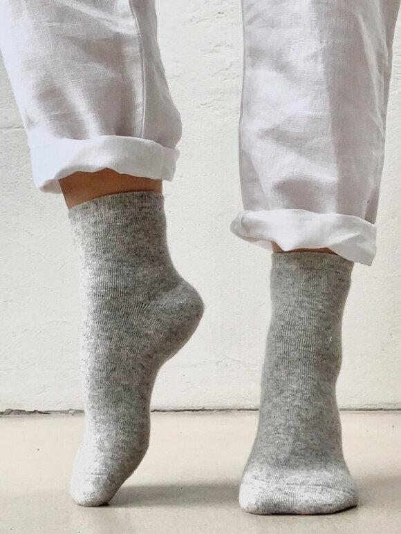 CareByMe - Soft cashmere socks, 2 farver
