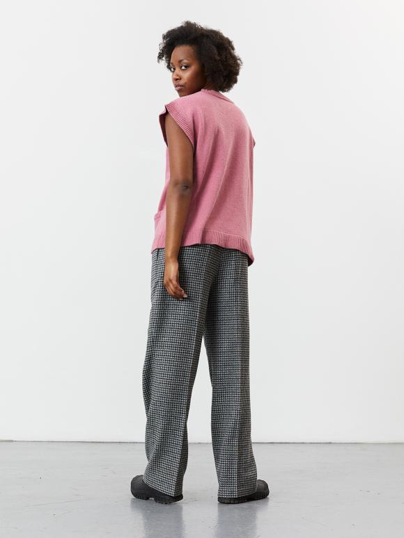 Nué Notes - Capri waistcoat - peach blossom